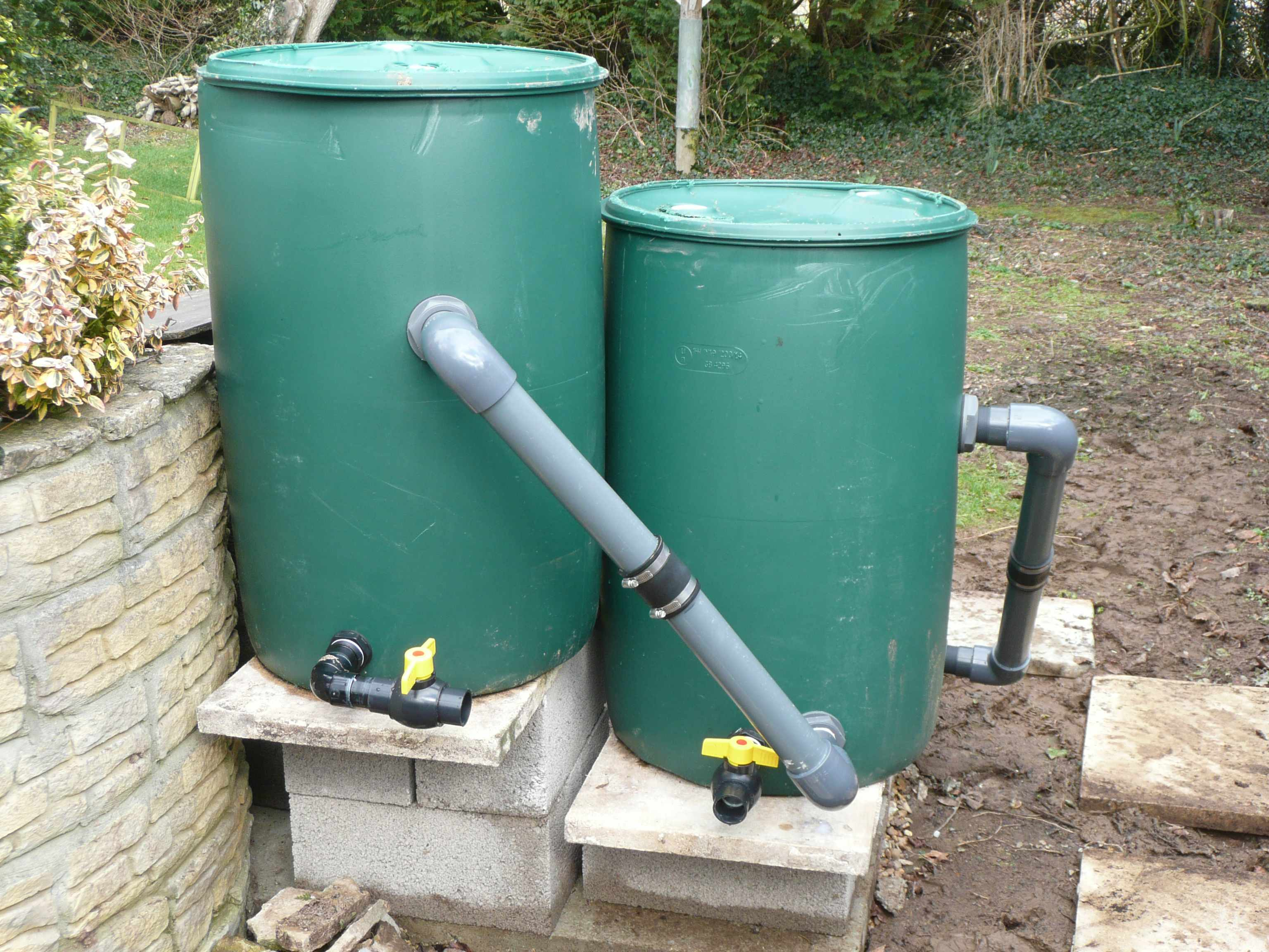 Pin filter system water well on pinterest for Pond filter system diy